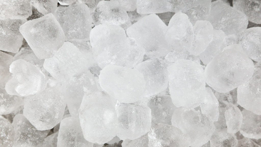 Ice cubes for toothaches - 8 ways to get rid of a toothache